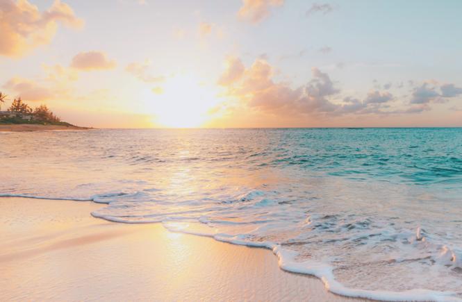 vista del atardecer en la playa
