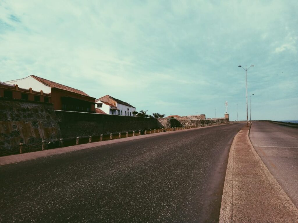 ciudad-amurallada-vista-exterior-running