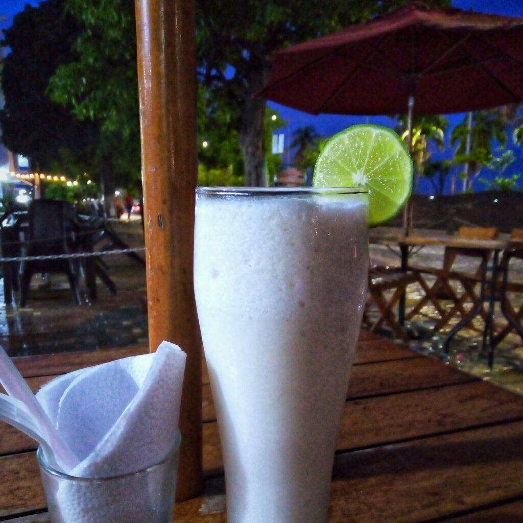 foto-de-limonada-de-coco-en-taganga