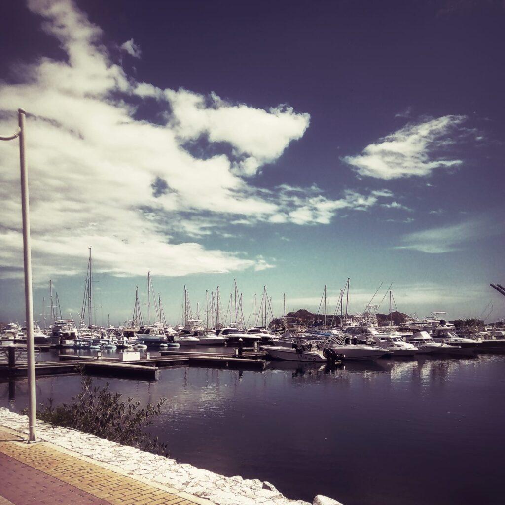 foto-de-veleros-en-la-marina-santa-marta