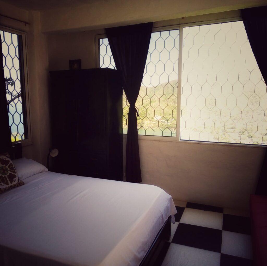 foto-de-habitacion-naomas-taganga